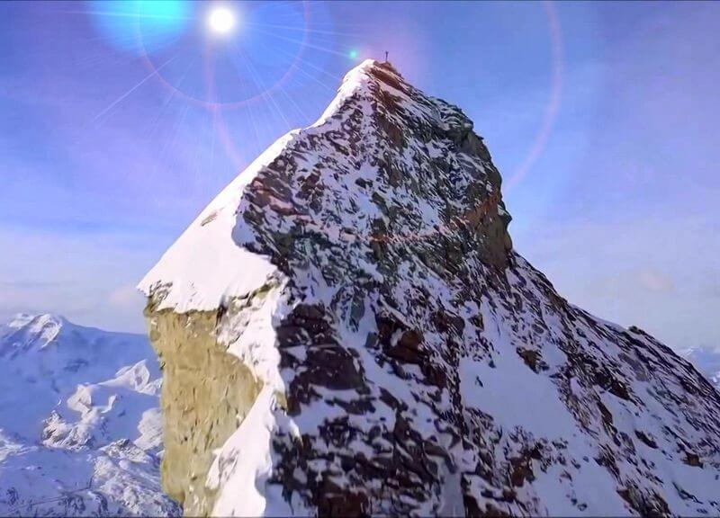 Священная гора по преданию связана с обителью Махатм